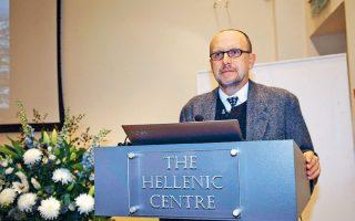 Χαρισματικός ομιλητής ο δρ Κ. Μπολέτης, ο οποίος αναφέρθηκε σε όλες τις πτυχές του μνημείου του Θρασύλλου.