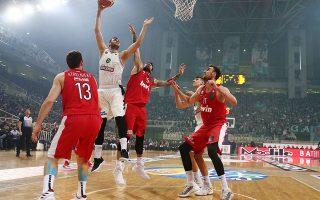 Ούτε χθες ελήφθη απόφαση για την τύχη του κυριακάτικου αγώνα Ολυμπιακού - Παναθηναϊκού, με τους «πράσινους» να εκδίδουν ανακοίνωση.