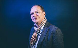 Στη Γαλλία ο Πατρίκ Μπουσερόν αποτελεί έναν από τους εκφραστές της νέας ιστοριογραφικής αντίληψης σχετικά με την παρουσίαση των εθνικών αφηγημάτων.