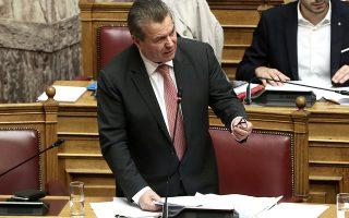 «Θα δώσουμε αυτά που μπορούμε, εάν αυτό ορίζει η απόφαση του ΣτΕ, ώστε να μην κινδυνεύσει ο προϋπολογισμός», ξεκαθάρισε χθες ο υφυπουργός Κοινωνικής Ασφάλισης Τάσος Πετρόπουλος.