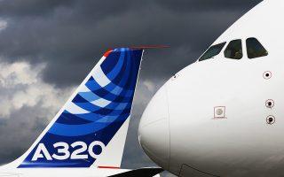 Η παραγγελία από την Κίνα αφορά 290 αεροσκάφη τύπου Α320 και 10 Α350 και είναι αξίας σχεδόν διπλάσιας εκείνης που είχε κλείσει πέρυσι ο Γάλλος πρόεδρος στο πλαίσιο επίσκεψής του στο Πεκίνο.