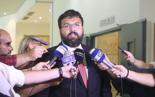 Ο υφυπουργός Αθλητισμού Γ. Βασιλειάδης θα συναντήσει σήμερα αντιπροσωπεία της Λίγκας, η οποία ζητεί αναβολή της προγραμματισμένης αναδιάρθρωσης.