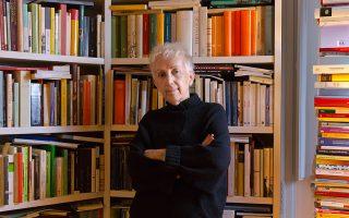 Η Λουτσέτα Σκαράφια, εκδότρια του γυναικείου περιοδικού του Βατικανού Women Church World.