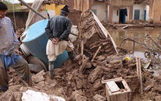 afganistan-toylachiston-17-anthropoi-echasan-ti-zoi-toys-apo-plimmyres0