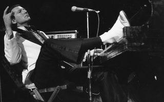 Ο «δολοφόνος» του ρον εν ρολ, Τζέρι Λι Λιούις, διάσημος για κομμάτια «δυναμίτες» του είδους, όπως το
