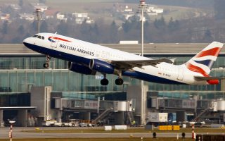 A British Airways Airbus A320-232 aircraft takes off from Zurich Airport January 9, 2018.   REUTERS/Arnd Wiegmann
