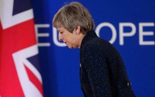 brexit-sto-5-oi-pithanotites-poy-dinoyn-oi-eyropaioi-sti-mei-na-metapeisei-toys-voyleytes-tis0