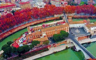 Στη Ρώμη, στη νήσο Τιβερίνα, στον Τίβερη, υπάρχει και σήμερα νοσοκομείο όπως και στην αρχαιότητα.