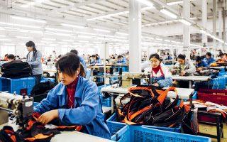Με τις εξαγγελίες του, ο Κινέζος πρωθυπουργός Λι Κετσιάνγκ έδωσε ιδιαίτερη έμφαση στην αποφασιστικότητα του Πεκίνου να αποτρέψει την αλματώδη αύξηση της ανεργίας.