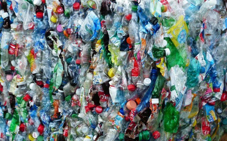 ΟΗΕ: Συμφωνία 170 χωρών για τη μείωση των πλαστικών μίας χρήσης μέχρι το 2030