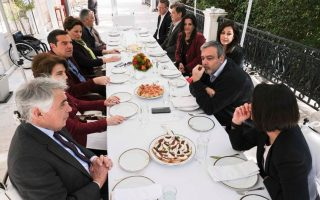 synantisi-tsipra-me-toys-neoys-ypopsifioys-eyrovoyleytes-toy-syriza0