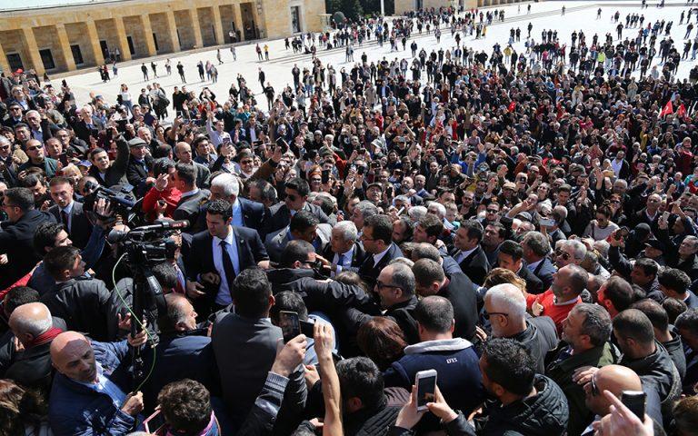 Τουρκία: «Δεν πάει κάτω» αυτή η ήττα