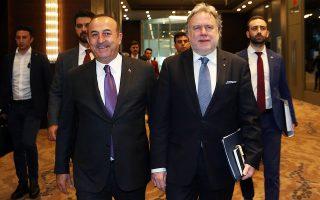 Τις επόμενες ημέρες, αναμένεται να ξεκινήσουν οι διαβουλεύσεις ανάμεσα σε Αθήνα και Αγκυρα σε επίπεδο υπουργείων Εξωτερικών. Στη φωτογραφία, οι υπουργοί Εξωτερικών Ελλάδας και Τουρκίας, Γιώργος Κατρούγκαλος και Μεβλούτ Τσαβούσογλου.