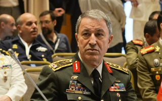 Ο υπουργός Εθνικής Αμυνας της Τουρκίας Ακάρ.