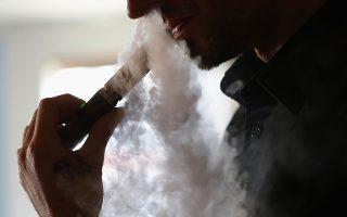 Σύμφωνα με τον FDA, έχουν ερευνηθεί τουλάχιστον 35 αναφορές σπασμών σε χρήστες ηλεκτρονικών τσιγάρων.