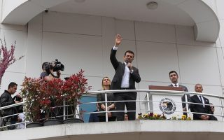 Ο υποψήφιος δήμαρχος της αντιπολίτευσης Εκρέμ Ιμάμογλου μίλησε χθες στην Πόλη, επιμένο-ντας στη νίκη του.