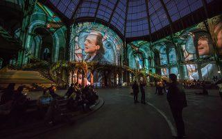 Σαν ζωντανή ταινία. Γέμισε με υπέροχες εικόνες το Grand Palais  του Παρισιού. Εικόνες μαγικές με την υπογραφή του Wim Wenders από το σύνολο της καριέρας του. Η έκθεση θα διαρκέσει μέχρι τις 22 Απριλίου. EPA/CHRISTOPHE PETIT TESSON