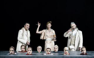 «Ο άνθρωπος που γελά»,  στο Εθνικό Θέατρο, παράσταση βασισμένη στο μυθιστόρημα του Βίκτωρος Ουγκώ.