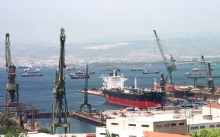 Σύμφωνα με απόφαση του International Chamber of Commerce (ICC) επιδικάστηκαν στις 4 Οκτωβρίου 2017 υπέρ της ΕΝΑΕ 155 εκατομμύρια (συν τόκοι) για τη μη εκτέλεση συμβάσεων ναυπήγησης υποβρυχίων (προγράμματα «Αρχιμήδης» και «Neptune»).