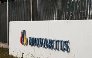 Η κυβέρνηση συνεχίζει να επενδύει πολιτικά στην υπόθεση Novartis.
