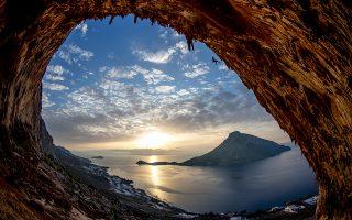Πολλοί ταξιδιώτες αναζητούν την περιπέτεια στις διακοπές τους και τη γνωριμία με την ελληνική φύση. Ετσι, γυρνούν την πλάτη στο all inclusive και αναζητούν μια νέα διάσταση διακοπών.