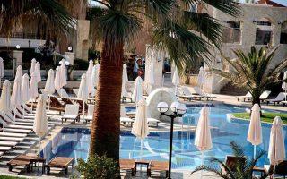 Tα ξενοδοχεία πέντε αστέρων έχουν αυξηθεί κατά περίπου 30% από το 2011 μέχρι σήμερα, με αποτέλεσμα ο ελληνικός τουρισμός και ειδικότερα, ο ξενοδοχειακός τομέας, να έχει καταγράψει αισθητή βελτίωση από πλευράς ποιότητας και προσφοράς, διαπιστώνει η Πειραιώς Real Estate.