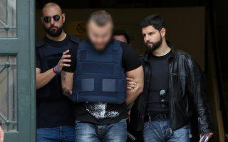 Ως δράστης της δολοφονίας Μακρή συνελήφθη προ δεκαπενθημέρου ένας 31χρονος Βούλγαρος, ενώ αναζητείται με διεθνές ένταλμα ο αδελφός του.