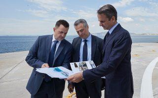 «Η δική μας στήριξη είναι δεδομένη», τόνισε ο κ. Μητσοτάκης κατά τη χθεσινή επίσκεψή του στα γραφεία της Cosco στον Πειραιά.