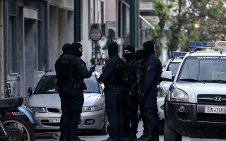 Στελέχη της αστυνομίας και αξιωματούχοι του υπ. Προστασίας του Πολίτη λένε ότι οι επιχειρήσεις στην περιοχή θα συνεχιστούν.