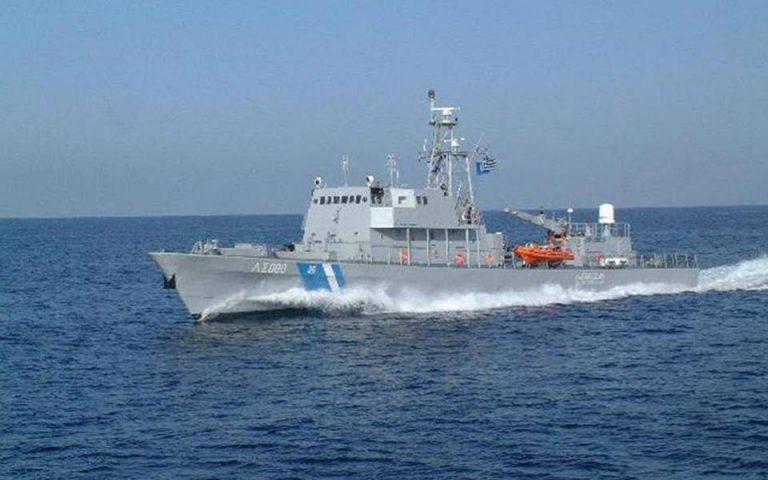 Ακυβέρνητο τουρκικό φορτηγό-πλοίο στο Αγαθονήσι