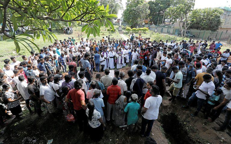 Στόχος, οι θρησκευτικές μειονότητες στη Νότια Ασία