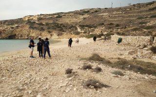 Καθαρισμός των ακτών στη Δονούσα από συλλόγους και μαθητές του νησιού.