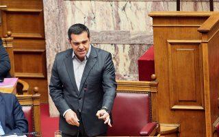 Ο πρωθυπουργός προσήλθε χθες στην αίθουσα της Ολομέλειας της Βουλής αφού είχε αποχωρήσει ο πρόεδρος της Ν.Δ., ο οποίος μίλησε για χυδαιότητα του αναπληρωτή υπουργού Υγείας.