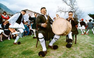 Τσάμικο και Ρουμελιώτικο Πάσχα (Φωτογραφία: VISUALHELLAS.GR)