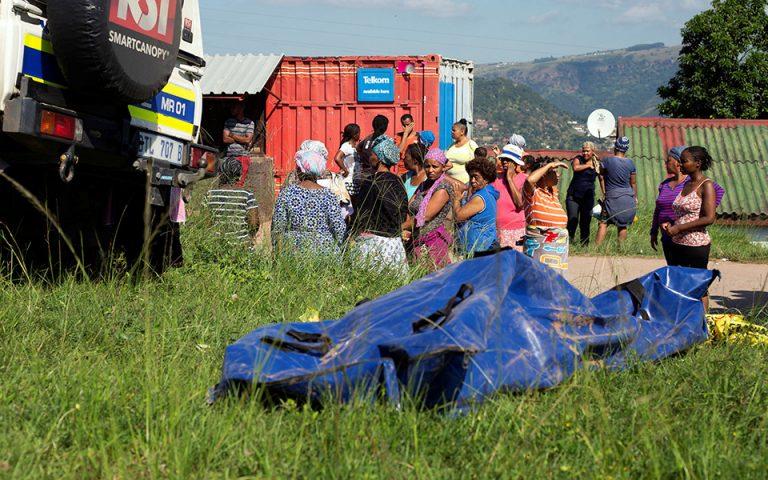 Δεκάδες νεκροί από πλημμύρες στη Νότια Αφρική