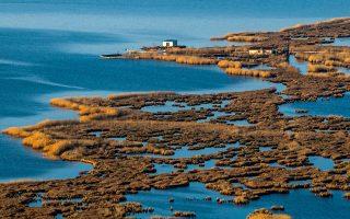 Πανοραμική άποψη της λιμνοθάλασσας της Ροδιάς. (Φωτογραφία: ΚΛΑΙΡΗ ΜΟΥΣΤΑΦΕΛΛΟΥ)