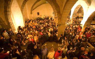 Στην Πάτμο, το θρησκευτικό κλίμα είναι πολύ έντονο λόγω της Μονής του Αγίου Ιωάννη. (Φωτογραφία: VISUALHELLAS.GR)