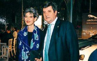 Η Βρετανίδα πρέσβειρα Κέιτ Σμιθ και ο επικεφαλής του Propeller Club, Γιώργης Ξηραδάκης. PANOULIS