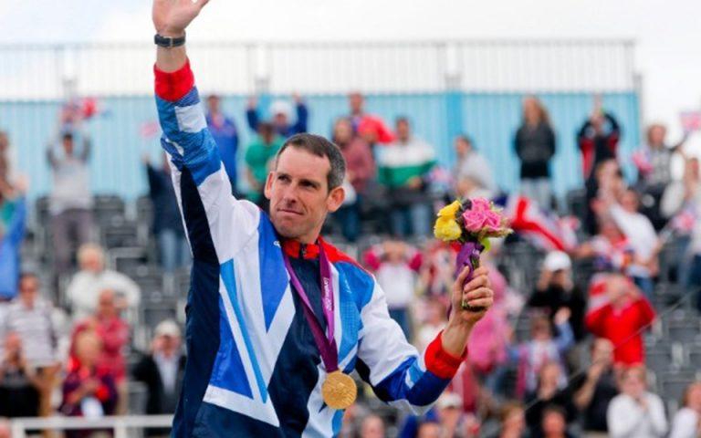 «Χρυσός» Ολυμπιονίκης συνελήφθη στο Λονδίνο επειδή διαδήλωνε για το κλίμα