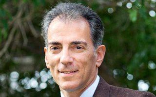 Δρ Διονύσης Διονυσίου: Αναπληρωτής Καθηγητής Οργάνωσης και Διοίκησης στο ALBA Graduate Business School, Τhe American College of Greece, Ακαδημαϊκός Διευθυντής του μεταπτυχιακού προγράμματος σπουδών MSc in Strategic HRM