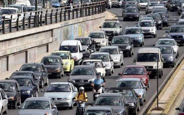 Κυκλοφοριακό χάος στην Αθήνα – Κλειστή η Σταδίου – Η κίνηση στους δρόμους