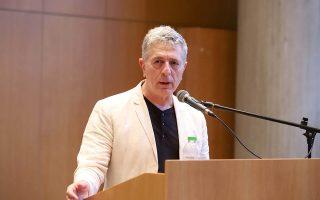 Ο Ευρωβουλευτής του ΣΥΡΙΖΑ Στέλιος Κούλογλου μιλάει κατά τη διάρκεια της πολιτικής εκδήλωσης με θέμα:
