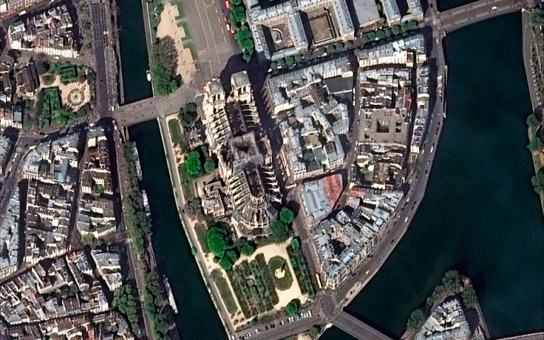 Παρίσι: Υπό συζήτηση η κατασκευή ξύλινου καθεδρικού στον περίβολο της Νοτρ Νταμ