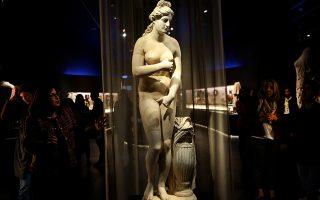 Μαρμάρινο άγαλμα της  Αφροδίτης εκτίθεται για πρώτη φορά στο Εθνικό Αρχαιολογικό Μουσείο, Αθήνα Πέμπτη 4 Απριλίου 2019. Το άγαλμά ανήκει στον τύπο του Καπιτωλίου και ήταν τμήμα της πρώην συλλογής Αλέξανδρου Ιόλα. Είναι έργο ρωμαικών χρόνων με αρχαίες και νεώτερες συμπληρώσεις. Ο τύπος του αγάλματος ακολουθεί μία ελληνιστική παραλλαγή της Αφροδίτης του Πραξιτέλη που αποδίδεται στον γιο του Κηφισόδοτο και χρονολογείται γύρω στο 300π Χ. ΑΠΕ-ΜΠΕ/ΑΠΕ-ΜΠΕ/ΟΡΕΣΤΗΣ ΠΑΝΑΓΙΩΤΟΥ