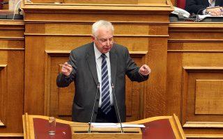 Ο πρώην πρωθυπουργός Παναγιώτης Πικραμμένος μιλάει στη συζήτηση και ψηφοφορία επί της προτάσεως της κυβερνητικής πλειοψηφίας για τη συγκρότηση επιτροπής προκαταρκτικής εξέτασης για την υπόθεση NOVARTIS, Τετάρτη 21 Φεβρουαρίου 2018. ΑΠΕ-ΜΠΕ/ΑΠΕ-ΜΠΕ/Αλέξανδρος Μπελτές