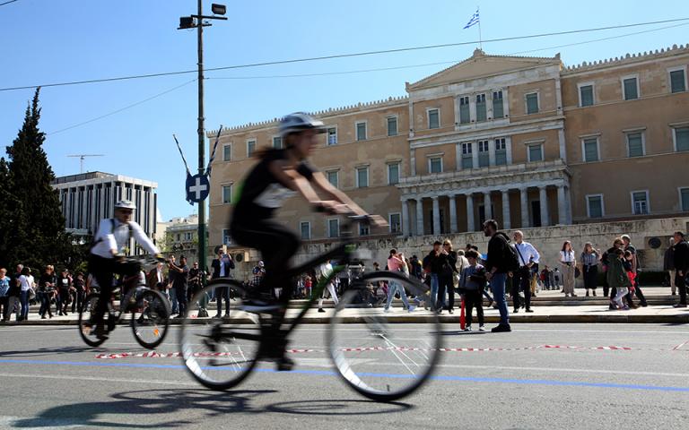 Με επιτυχία ολοκληρώθηκε ο 26ος Ποδηλατικός Γύρος της Αθήνας (φωτογραφίες)
