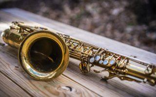 italia-moysikofiloi-diarriktes-arpaxan-35-saxofona-gnostoy-syllekti0