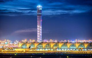 Ο ψηλότερος πύργος ελέγχου  έχει ύψος 132,2 μ. και βρίσκεται στο New Bangkok International Airport of Thailand. (Φωτογραφία: Shutterstock)