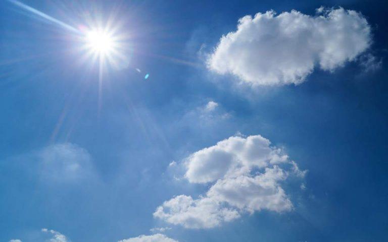 Ηλιοφάνεια με αραιές νεφώσεις την Κυριακή