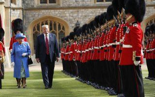 Τον Ιούλιο του 2018, ο Ντόναλντ Τραμπ και η σύζυγός του Μελάνια έγιναν δεκτοί στον Πύργο του Ουίνδσορ από τη βασίλισσα Ελισάβετ, μια συνάντηση που έχει προκαλέσει πολλές αντιδράσεις στη Βρετανία.